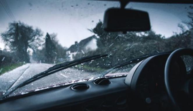 Tips Bikin Mobil Bebas Karat Saat Musim Hujan
