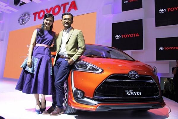 Sukses Besar di Indonesia, Toyota Sienta Raih Predikat Product of The Year 2016
