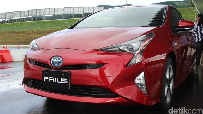 Mobil Hybrid Toyota Tembus 10 Juta