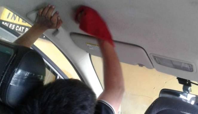 Cara Ampuh Bersihkan Noda di Plafon Mobil