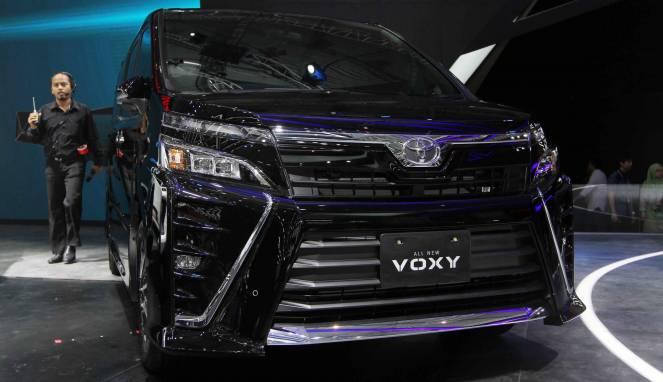 Bedah Fitur Voxy, Toyota Alphard Versi Murah