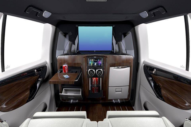 DC Bentuk Interior Toyota Innova seperti Jet Pribadi
