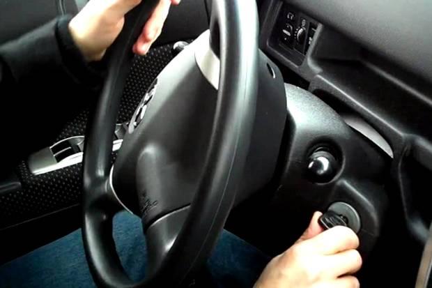 Langkah-langkah Memanaskan Mobil yang Benar