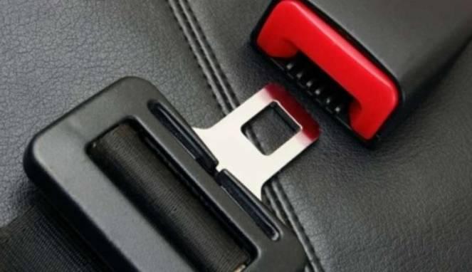 Pasang Seat Belt Buru-buru Ternyata Berbahaya