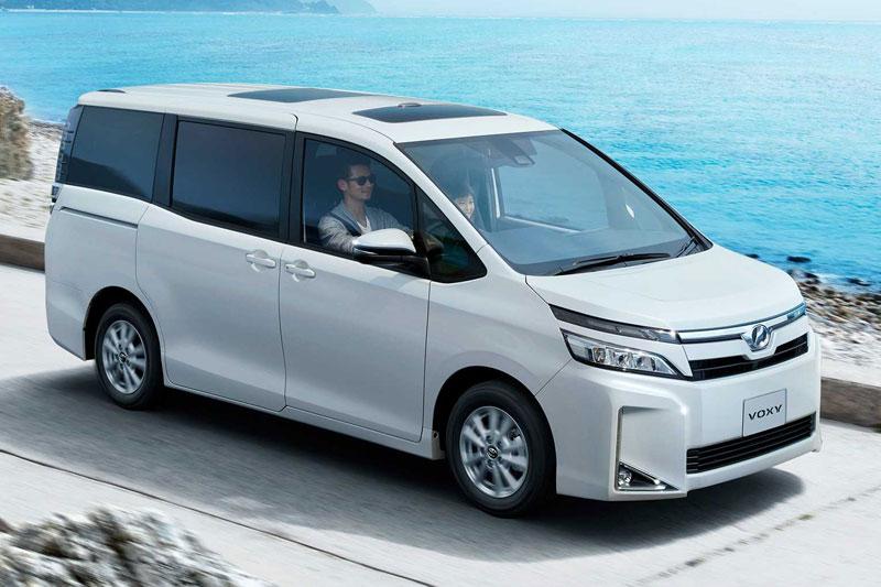 GIIAS 2017 : Inilah Sosok Utuh Toyota Voxy Indonesia